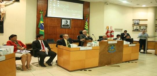 TRE reúne juízes e prefeitos para discutir recadastramento biométrico em 41 municípios