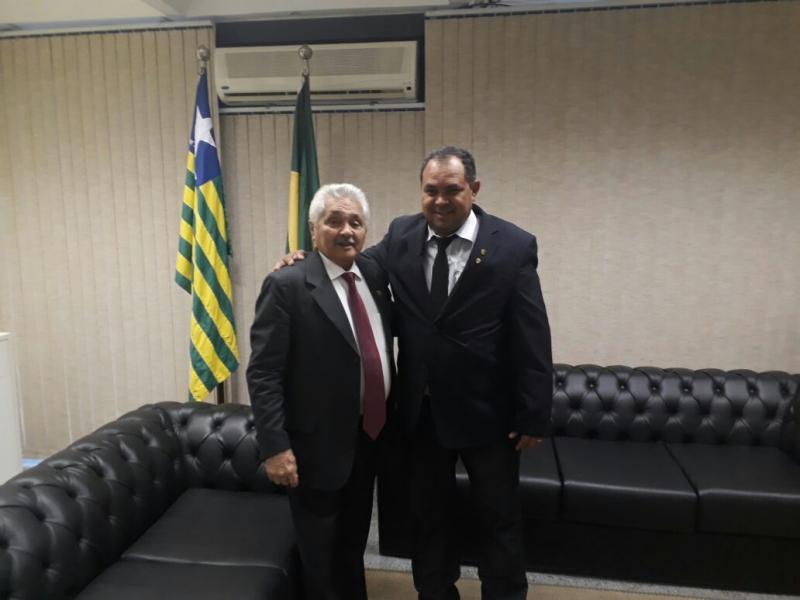 Prefeito de Pau D'arco vai a  Brasília para destravar recursos em ministérios
