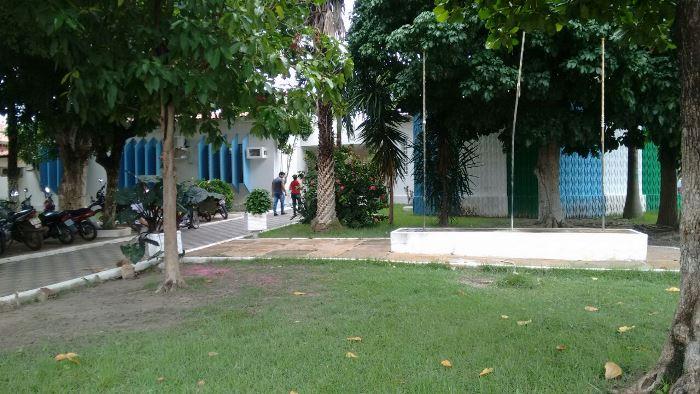 Aulas da rede pública de Esperantina são suspensas por falta de combustível