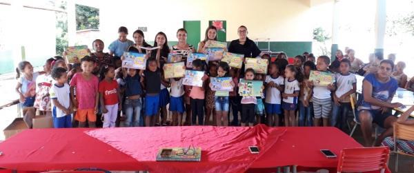 Prefeitura de Landri Sales através da Secretaria de Educação realiza entrega de livros