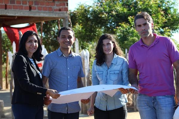 Prefeita Ceiça Dias e o Secretário de Educação, Prof. Kássio Gomes, conseguem conjunto habitacional