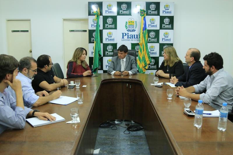 Wellington Dias reúne secretários para discutir crise de abastecimento no estado