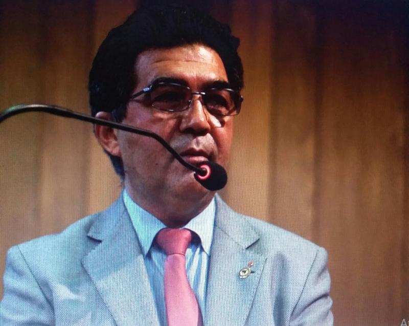 Deputado Francisco Limma (PT) fala sobre a crise no setor de petróleo na tribuna da  ALEPI