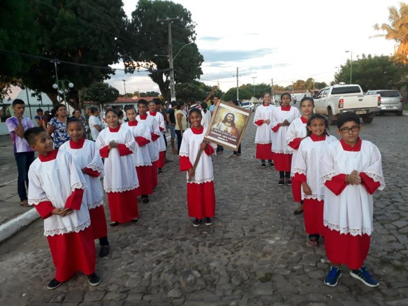 MADEIRO: Teve início hoje os festejos do Sagrado Coração de Jesus em Madeiro