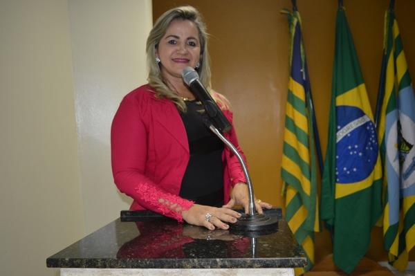 Vereadora Luciana Martins - PCdoB, fala sobre complementação de obras na Avenida