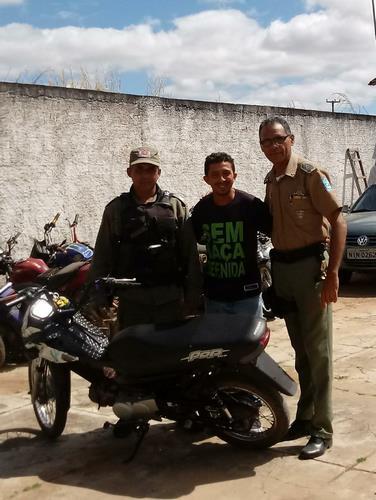 Policiais da 2ºCIA/10ºBPM recuperam moto roubada em Guadalupe
