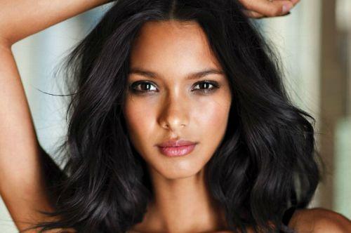 Modelo piauiense Lais Ribeiro revela ter sido assediada por fotógrafo da Victoria's Secret