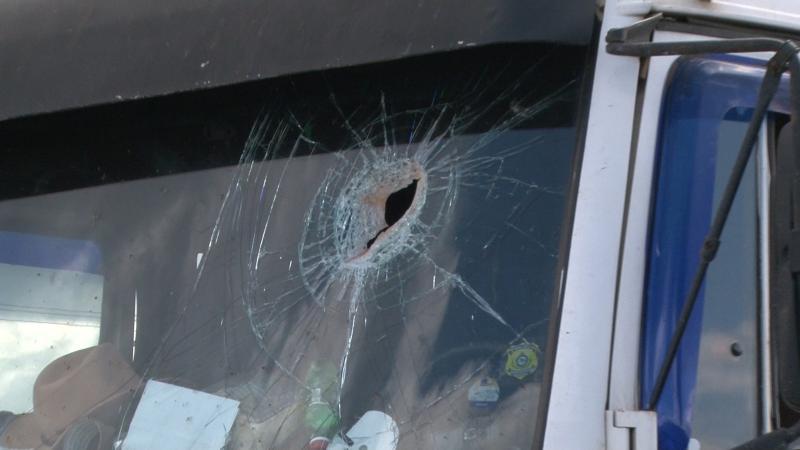 Caminhoneiro é morto com pedrada na cabeça em manifestação
