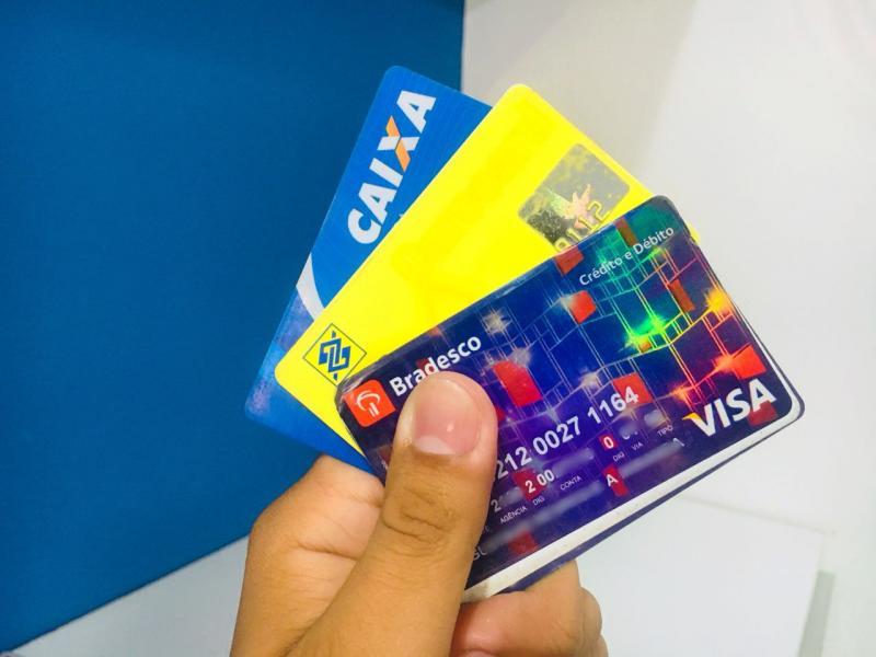 Novas regras para o cartão de crédito começam a valer nesta sexta