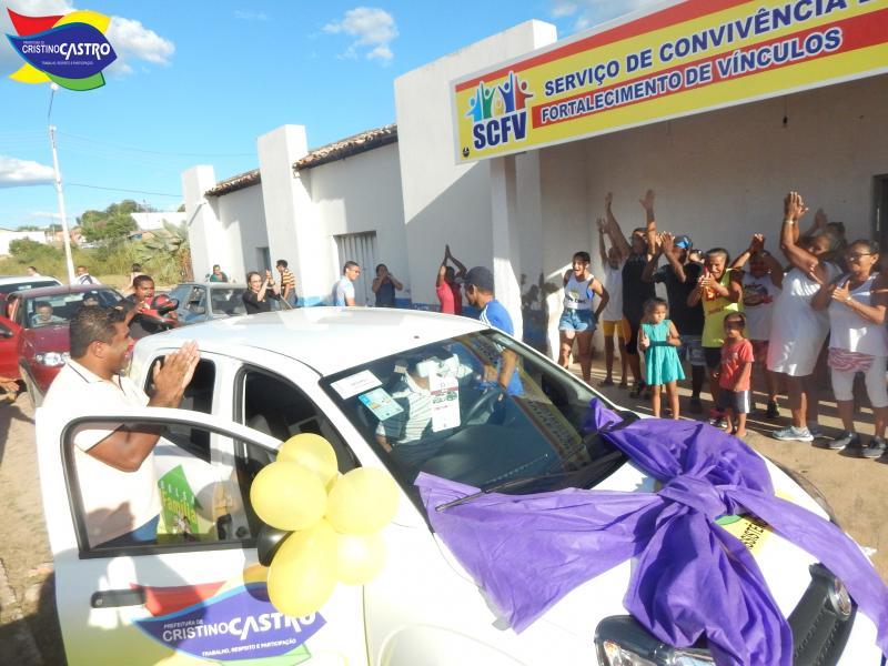 CRAS de Cristino Castro ganha novo veículo