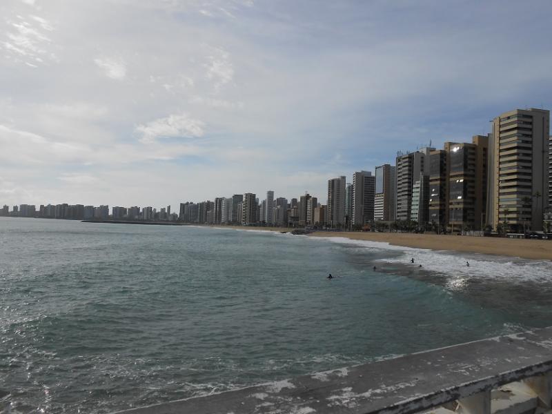Corpo de jovem de 19 anos é encontrado boiando na praia de Iracema
