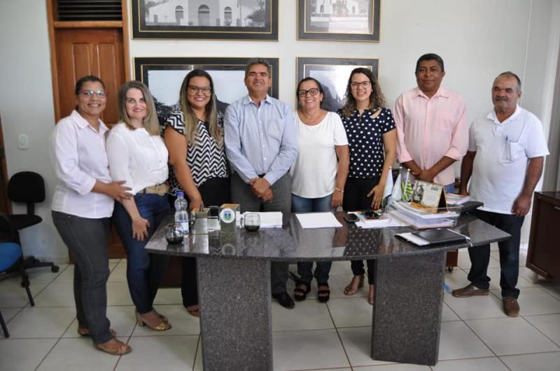 Prefeito Murilo dá posse ao novo secretário de Esportes, Juventude e lazer