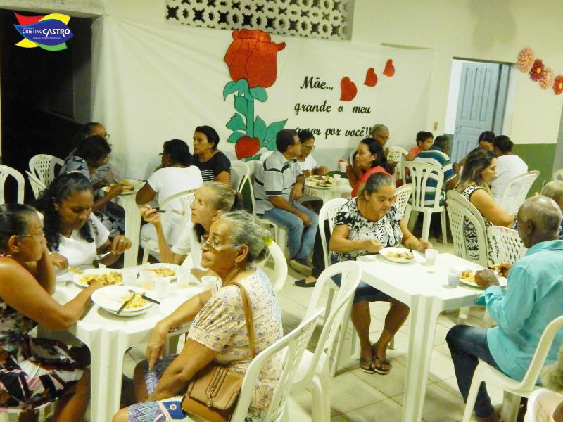 Serviço de Convivência de Cristino Castro realizou festa em homenagem ao dia das Mães para os idosos