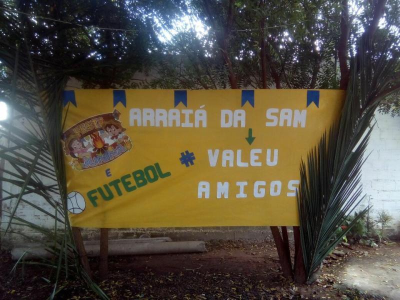 Professora Samara promove aniversário em clima de festa junina