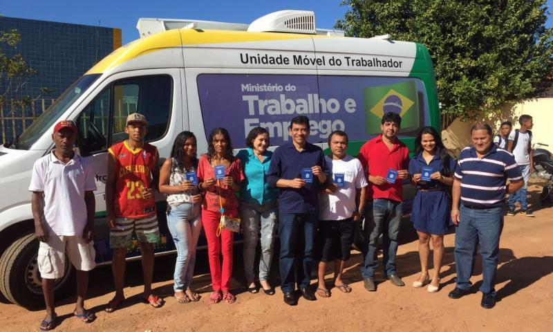 Unidade Móvel do Trabalhador já se encontra em Landri Sales para emissão de carteiras de trabalho