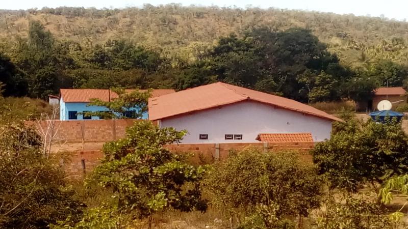 Secretaria de Educação solicita substituição de portas na Escola Municipal Santa Fé