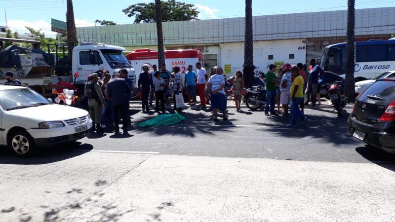 Idosa morre atropelada por caminhão na avenida Maranhão em Teresina