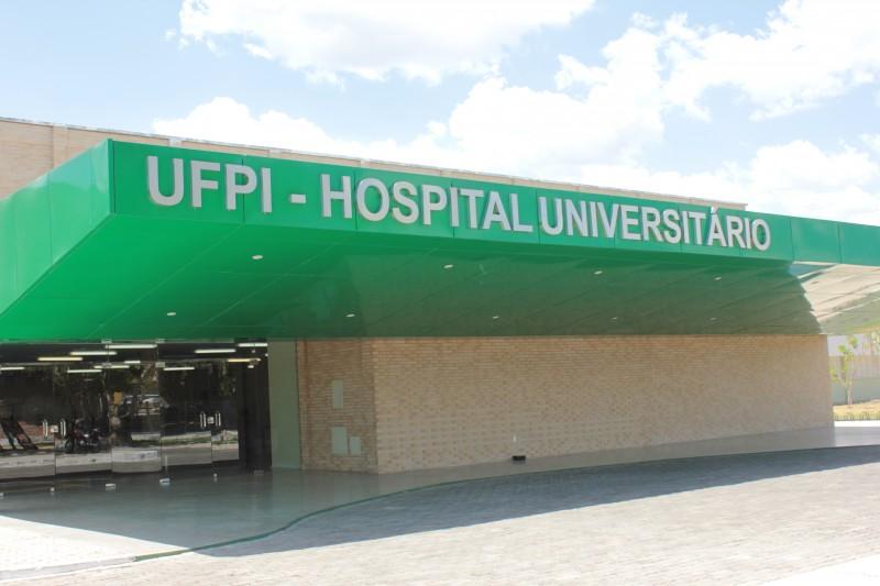 Servidores do Hospital Universitário da UFPI entram em greve