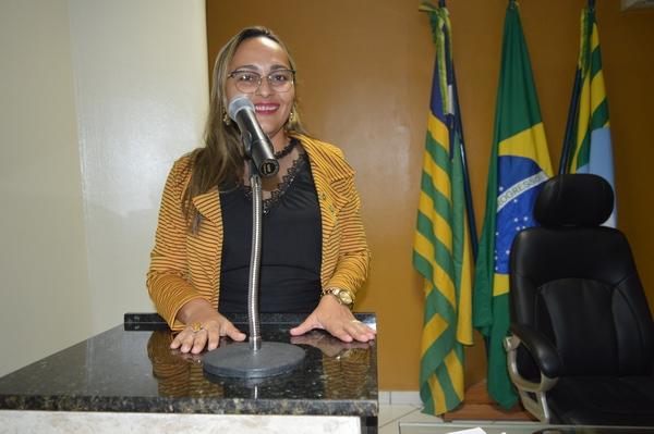 Vereadora Hélvia Almeida apresenta indicações em defesa do Meio Ambiente