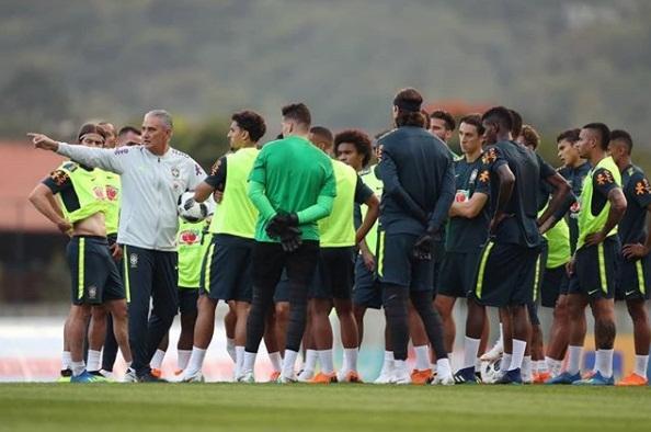 Tite libera sexo para os jogadores da seleção brasileira durante a Copa