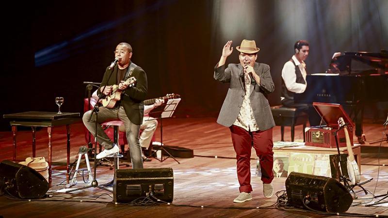 'Seis e Meia' une os sambistas Dudu Nobre e Arthur Espíndola no palco do Cine Teatro Oeiras