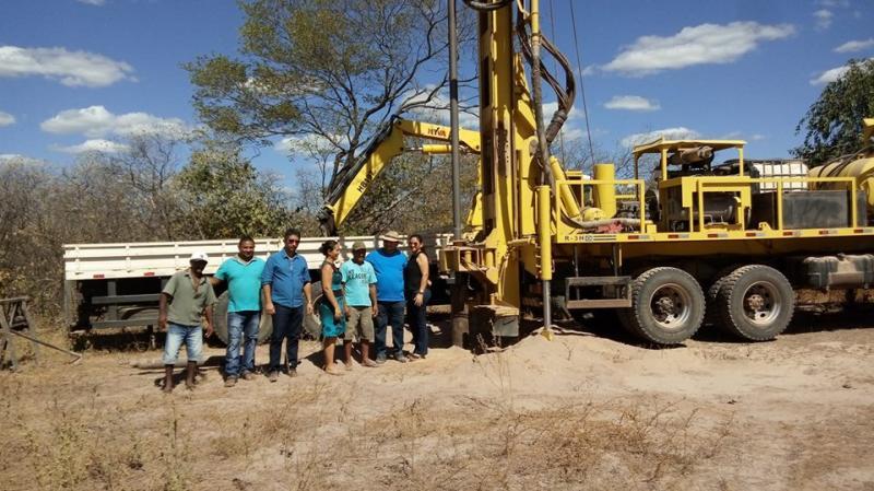 A prefeitura de Pedro Laurentino está perfurando poço na Localidade BOA NOVA