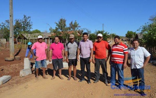 Prefeitura de Curralinhos inicia obras de calçamento no município