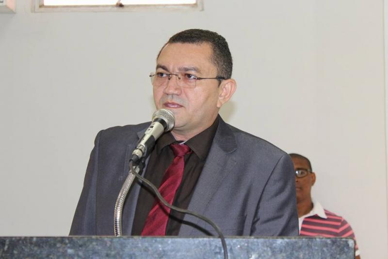 TCE-PI multa prefeito Padre Walmir por dívida de R$ 1,2 milhão no Picos Prev