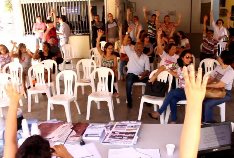 Professores da Uespi decidem entrar em estado de greve
