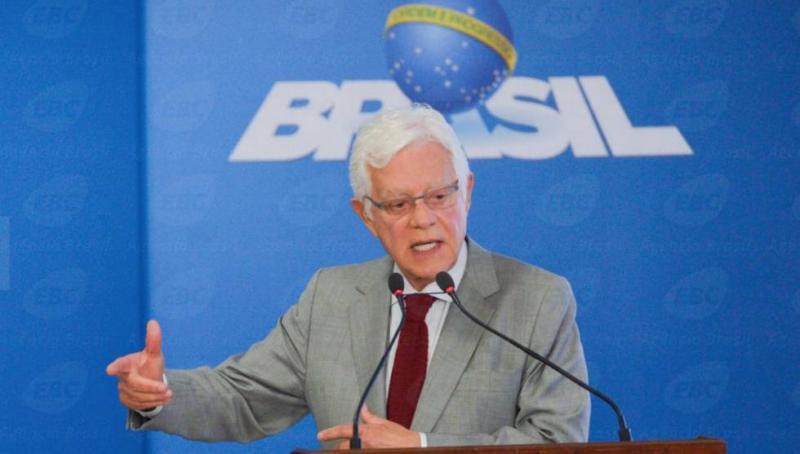 Ministro assina liberação de R$ 93 milhões da Eletrobras para Teresina