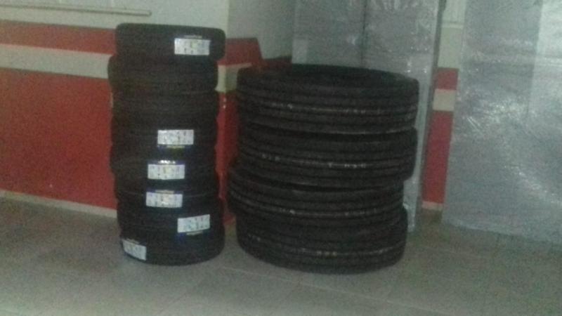 Prefeita Doquinha compra pneus novos para os tratores