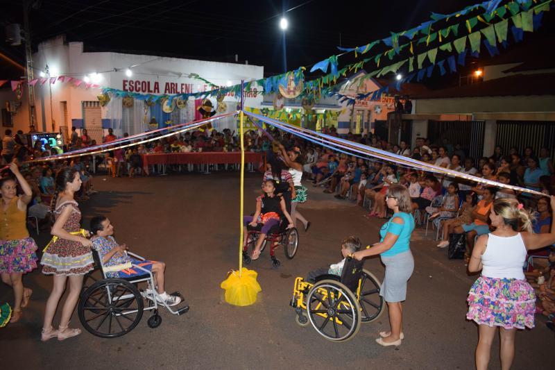 Apae de Luzilândia abre as festividades juninas no município