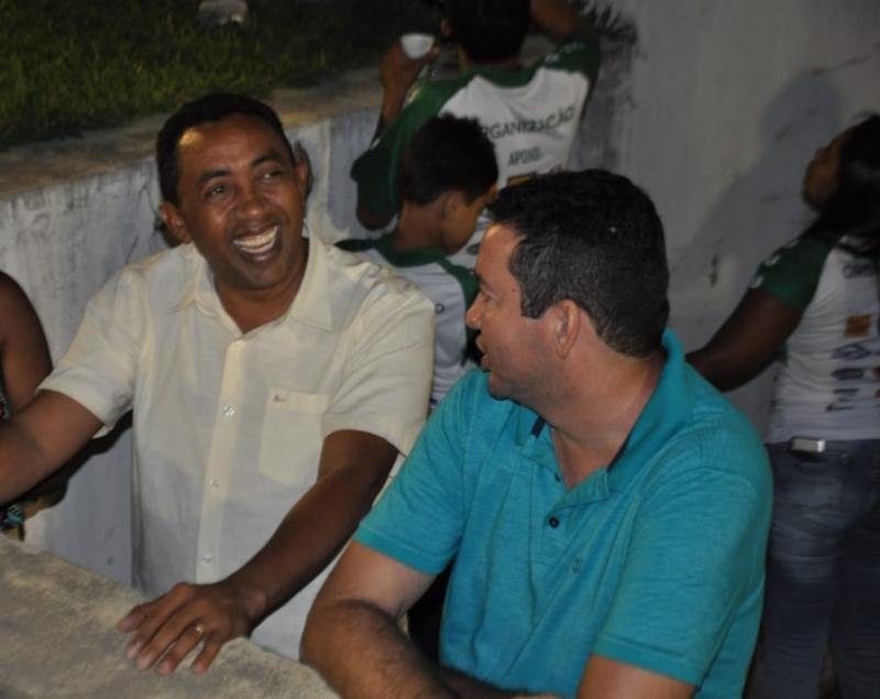Prefeito Joel prestigia final do Campeonato Regional de Floriano 2018