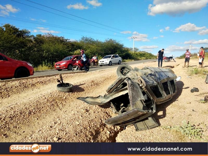 Irmãos morrem e outras duas pessoas ficam feridas em acidente na PI-243