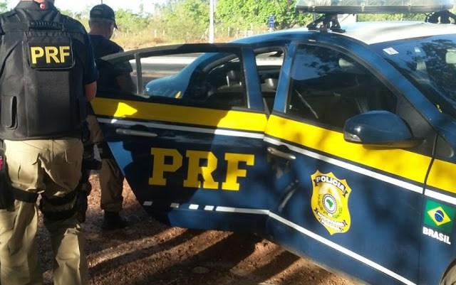 Homem com mandado de prisão é preso após abordagem na BR-343