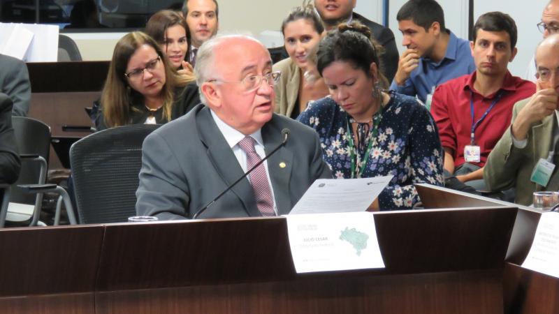 Júlio César diz que vai cobrar do Tesouro Nacional recursos extras do FPE