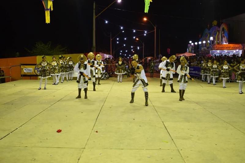 Cia de Dança Portuguesa Rouxinol de Luzilândia faz sua estréia em Teresina