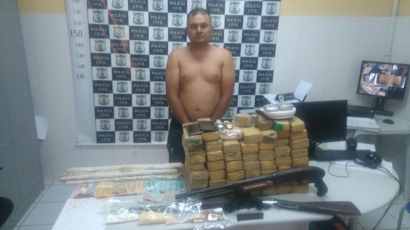 Homem é preso com 40 kg de droga e explosivos no Piauí