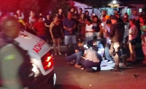 Mulher é atropelada por moto após sair de igreja em Piripiri