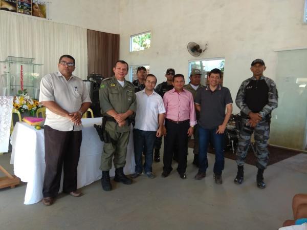 Landri Sales recebe equipe do Pelotão Mirim