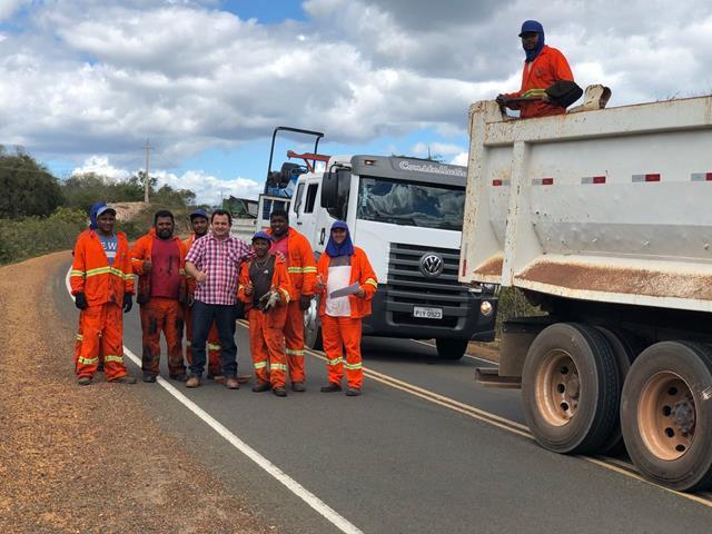 Governo do estado retoma operação tapa-buracos em Pimenteiras