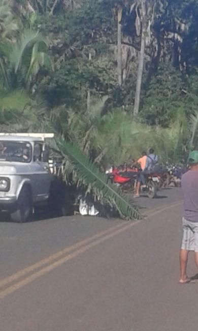 Idoso morre após colidir moto na traseira de caminhonete na PI 350