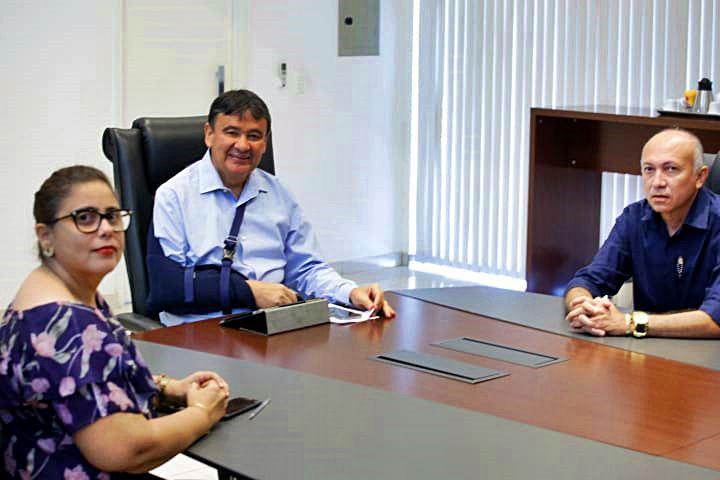 Em reunião com governador, prefeita Patrícia Leal garante retomada de obras em Altos